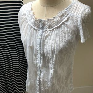 White crinkle blouse size small